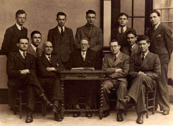Class of 1941-VIth-Form-Group