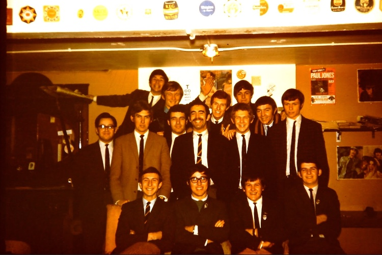 1961-team-Prefects-Lounge-1968
