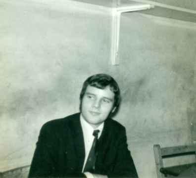David-Gomez-in-the-Physics-room-1968