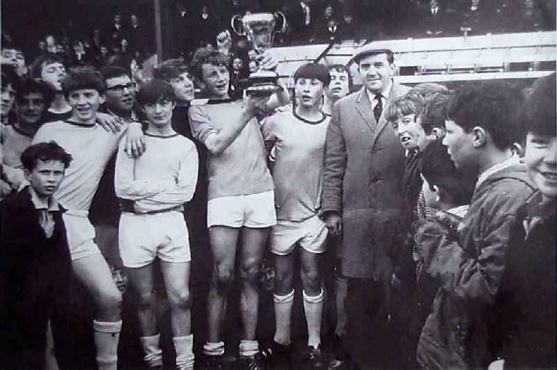 1967-Dynevor-Senior-Soccer-Cup-Winners-at-the-Vetch-Field
