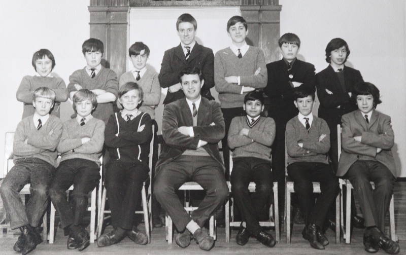Photo-3-Form-at-the-Old-Guildhall-with-Mr-N.-Owen