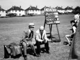 28.-1965-Bryn-DaviesHorace-Griffiths-Scruff