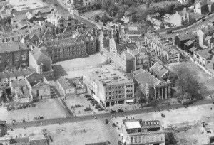 The school as depicted in the 1949 aerial view of the bombed city centre